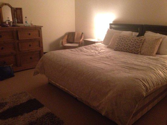 Coed-y-Celyn Hall : Bedroom