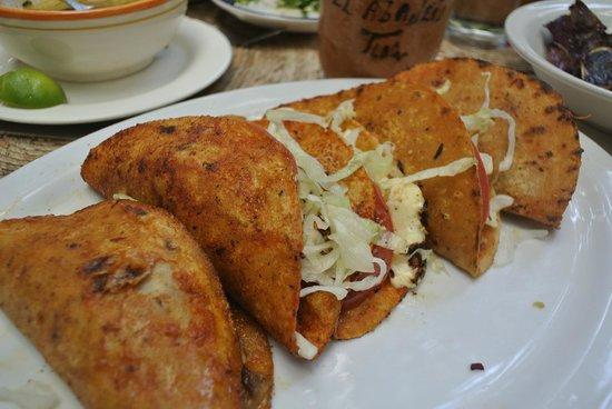 El Abajeno : Tacos of different cranes