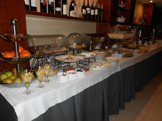 Benefis: Fabulous breakfast buffet