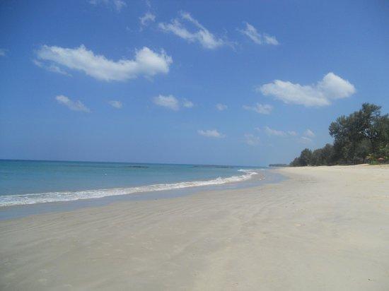 Natai Beach Resort & Spa, Phang-nga : spiaggia