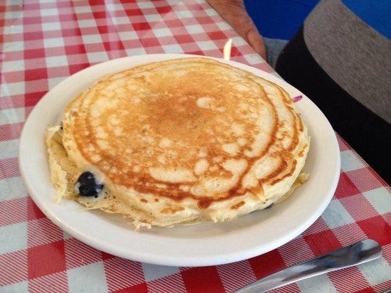 Frankie's Kitchen: Humongous Pancakes