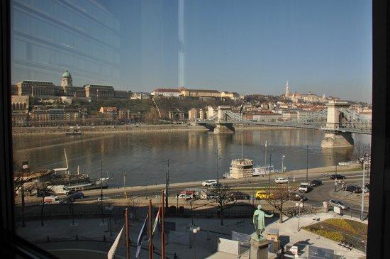 Sofitel Budapest Chain Bridge : вид из номера