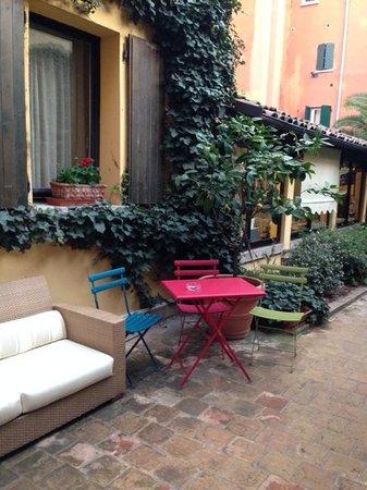Hotel Porta San Mamolo : Hotel Patio