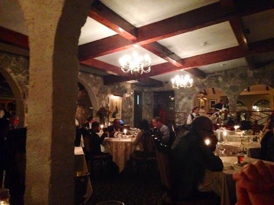 Fourways Inn: Main restaurant