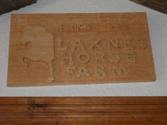 Laxnes Horse Farm : Sign
