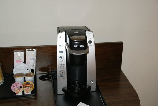 Hilton Garden Inn Los Angeles/Hollywood: Coffee machine.
