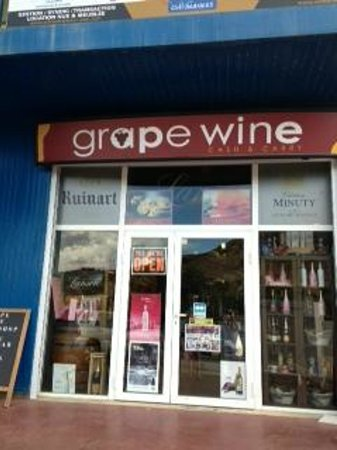 Grapewine : Front of store