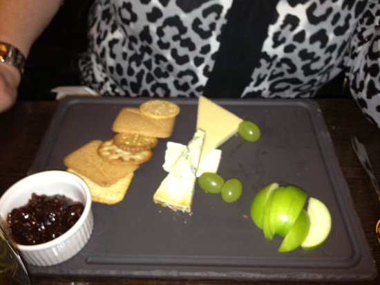 Mercure Stratford-Upon-Avon Shakespeare Hotel: Cheese & Biscuits