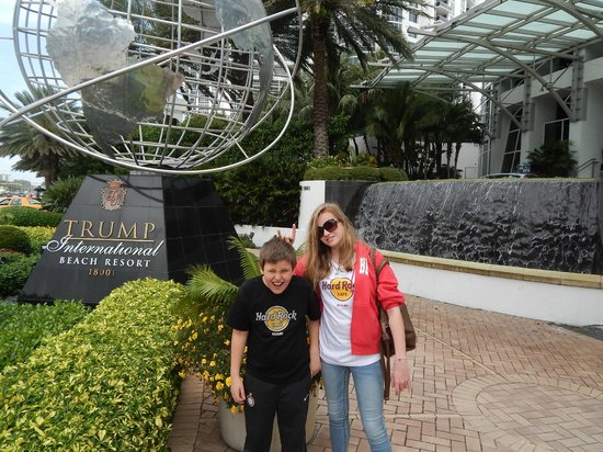 Trump International Beach Resort : Trump International