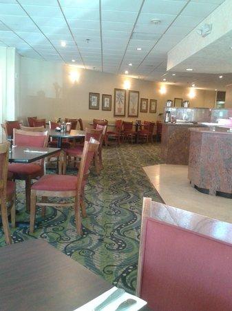 Ramada Hialeah/Miami Airport: Restaurant