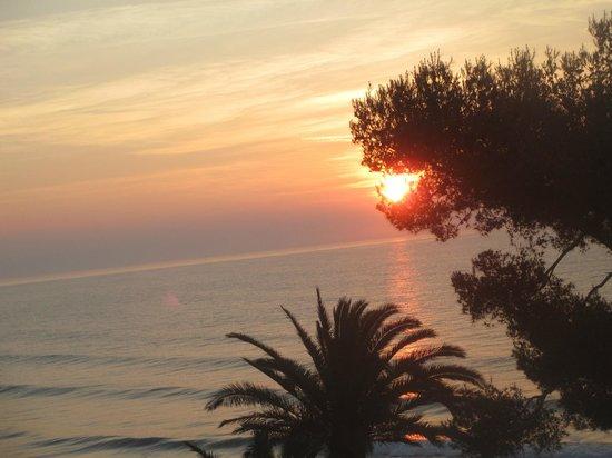 Grand Hotel Mediterranee : magnifica alba vista dalla mia stanza