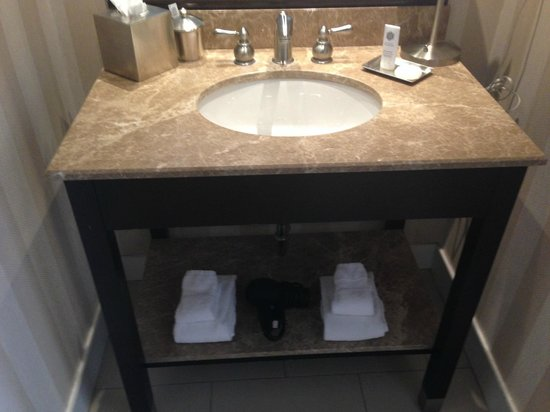 The Equinox Golf Resort & Spa: Bathroom