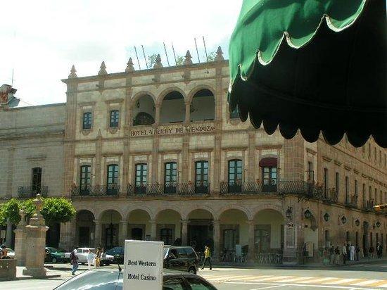 Hotel Virrey de Mendoza : front of hotel