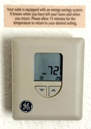 Candlewood Suites Clearwater: Warning on thermostat at hotel