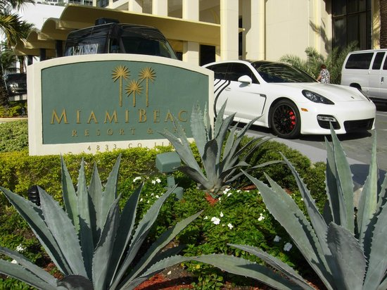 Miami Beach Resort and Spa: Comfortabele Valet Parking