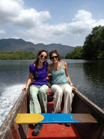 Churute Mangroves Ecological Reserve: En el rio, tour de canoa en los manglares, Churute, Monoloco