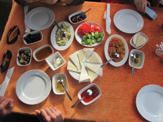 Sirincem Restaurant: kahvaltıya başlangıç..