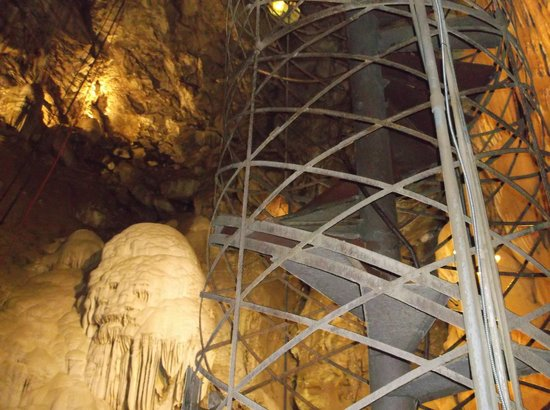 Moaning Cavern: Looking up to the 25ft iglo and the spiral staircase