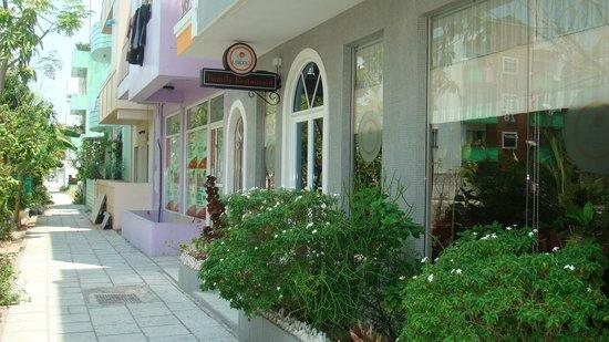 Il Cucciolo Family Restaurant : Витрина