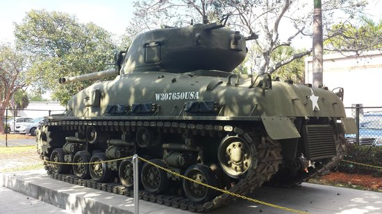 Collier County Museum : tank