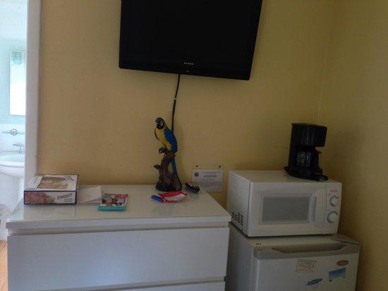 Sun Deck Inn & Suites: Kitchenette