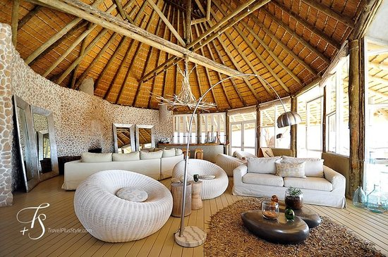 Wilderness Safaris Little Kulala: Main lounge