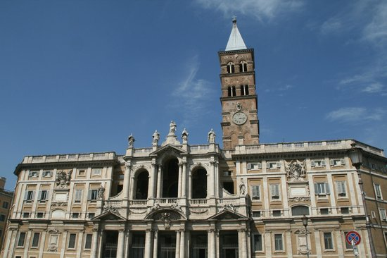 Basilica di Santa Maria Maggiore: View of entire church