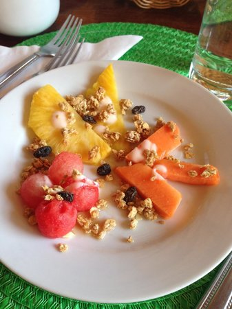 Hacienda Puerta Del Cielo Eco Spa: Fruit Salad with Granola