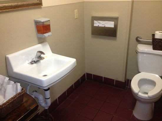 Sushi-mambo: Clean rest room