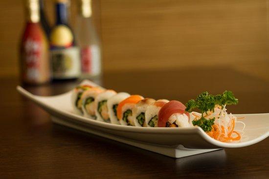 Bamboo Sushi: Rainbow roll