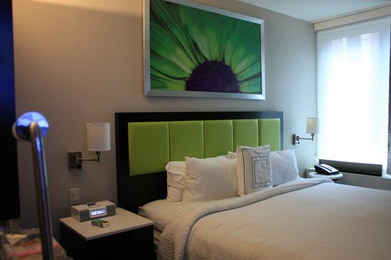 SpringHill Suites New York Midtown Manhattan/Fifth Avenue : king suite