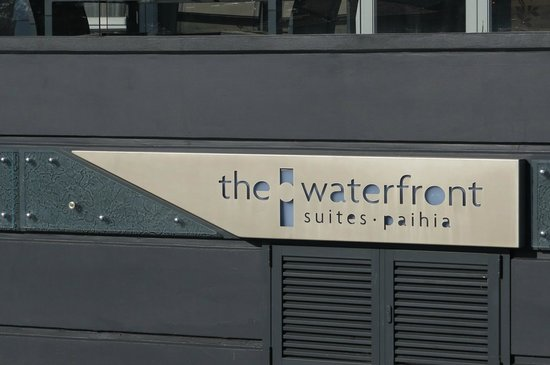 The Waterfront Suites - Heritage Collection: Front entrance sign