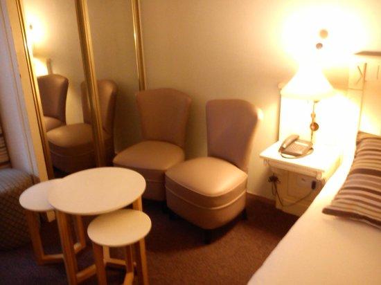 Hôtel Le Trophée : Chambre