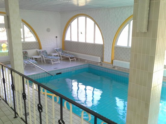 Hotel Terra-Nova : Pool, groß und hell
