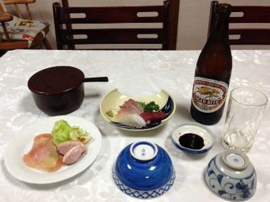 Kaikaro: 夕食はこの後から揚げ出し豆腐や茶碗蒸しなどが供されました