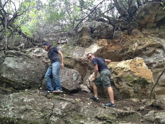 Barton Creek Greenbelt: Climbing the rocks