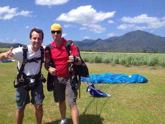 Skydive Cairns: Logo depois da chegada!