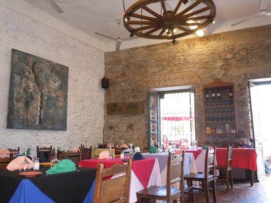 Pulperia de los Faroles: Interior do restaurante
