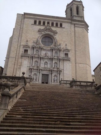 Catedral de Girona: SUBIENDO ESCALONES