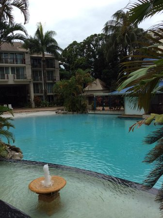 Novotel Cairns Oasis Resort: The pool is quite nice