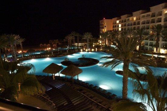 Hyatt Ziva Los Cabos: Around the hotel Ziva at night