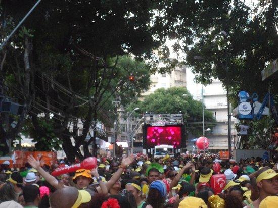 Carnaval en Salvador de Bahia : timbalada na área...