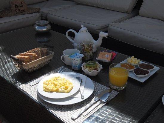 Riad Star: breakfast on the terrace