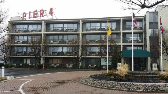 Pier 4 Hotel: Exterior