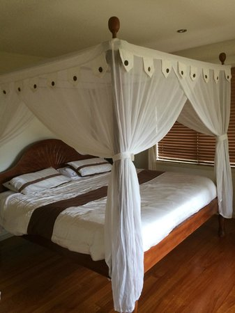 Avalon Resort: The most comfortable bed in the world - Earth Cottage