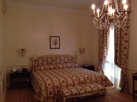 Alvear Palace Hotel : Formidable y gigantesca cama