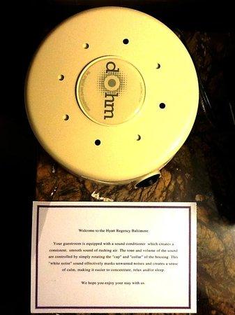 Hyatt Regency Baltimore Inner Harbor: Bedside white noise generator