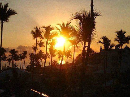 Iberostar Grand Hotel Bavaro: Sunrise from our hotel balcony