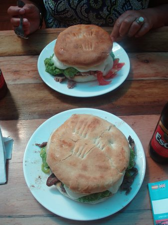 Fuente Mardoqueo: BIG Sandwiches