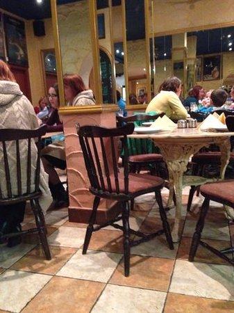 Florios Pizzeria Restaurant: lovely family run restaurant